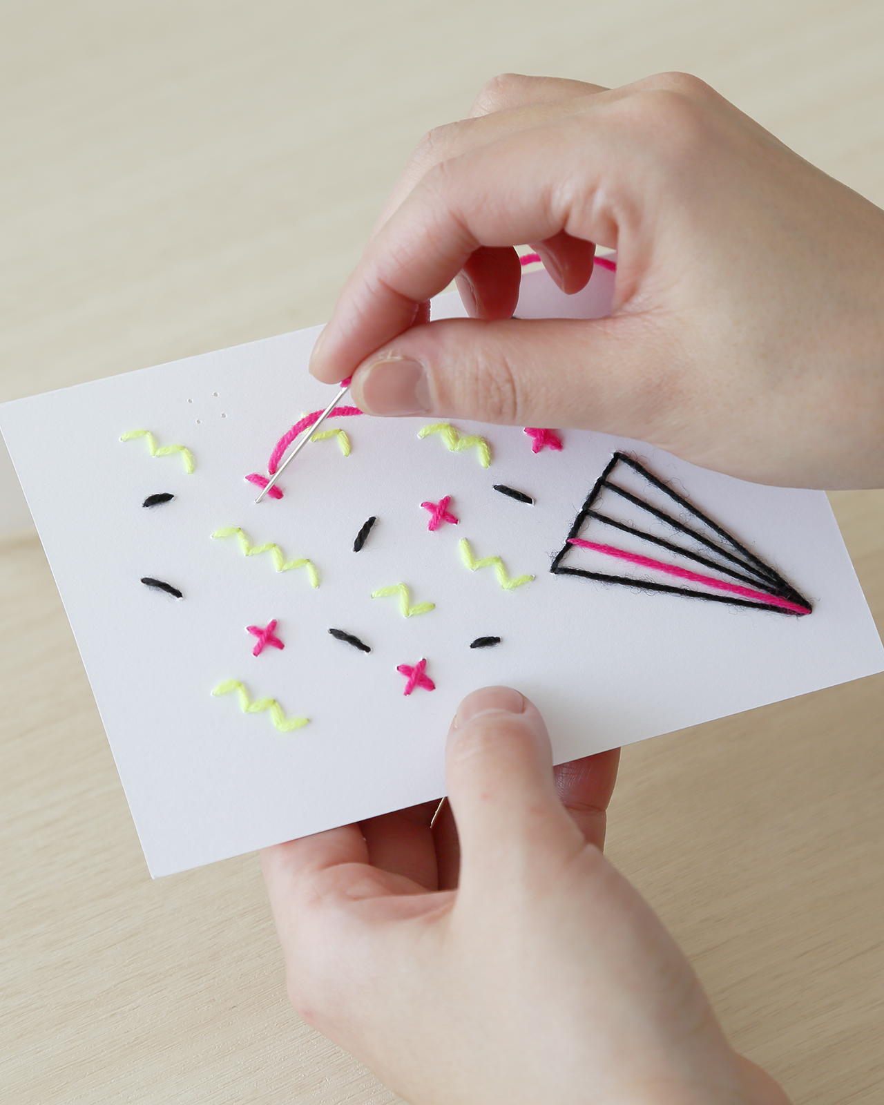 EMBROIDERY GREETING CARD KIT